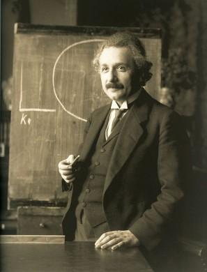 Einstein tijdens een college in Wenen, 1921