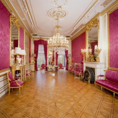 Boek over het huis van de burgemeester if then is now for Interieur stylist amsterdam