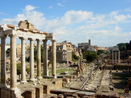 Beeld van het Forum Romanum, zo krijgen we een beeld van hoe Rome er uit gezien moet hebben.