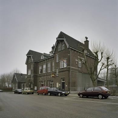 Het station en de voorzieningen van de ZLSM voor de Miljoenenlijn. Beeldbank Rijksdienst Cultureel Erfgoed-Sergé Technau.