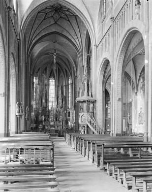 De in 1964 gesloopte kerk van Prinsenbeek van P. Stoffers. Herkomst: Beeldbank RCE.