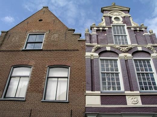 Gevels uit de 16e en 17e eeuw aan de Bovennieuwstraat in Kampen