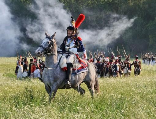 Franse cuirassier gedurende de reenactment van de Slag bij Waterloo, 2011