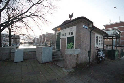 Brugwachtershuis Van Hallbrug Amsterdam