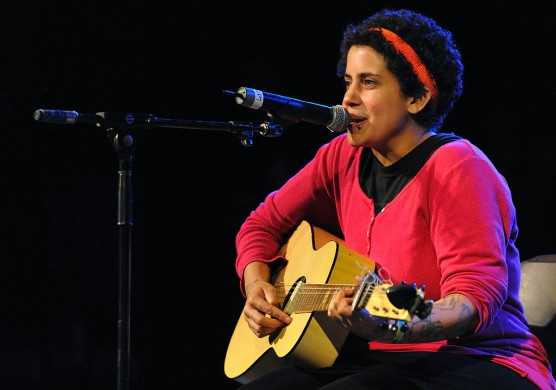 Kimya Dawson op het Harvest of Hope Festival in St. Augustine, Florida