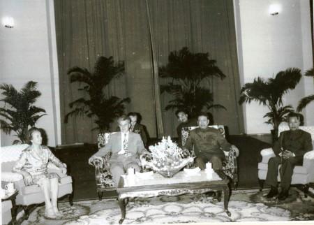 Pol Pot op bezoek bij Roemeens dictator Nicolae Ceaușescu, 1978