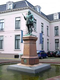 Standbeeld van Willem Lodewijk van Nassau-Dillenburg te Leeuwarden