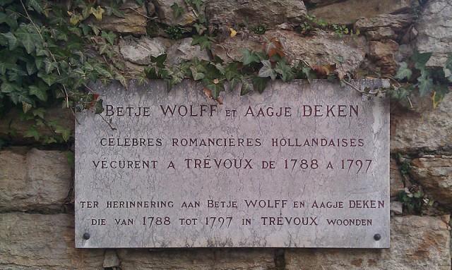 Plaquette in Trévoux ter herinnering aan Wolff en Deken
