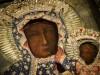 Catholic Church England and Wales, Detail van de oklad en de gezichten van de Poolse madonna en het Christuskind te Częstochowa (Flickr, 2016)