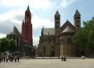 Foto van de St.Servaas en de St.Jan aan het Vrijthof